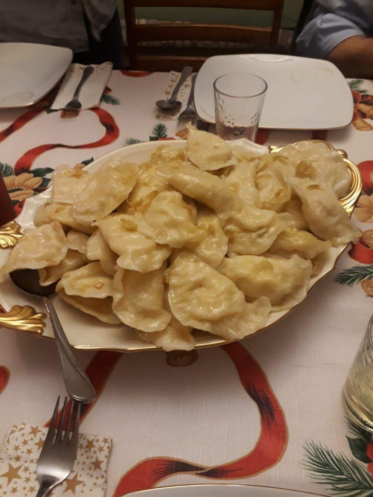 plato tipico de polonia pierogi