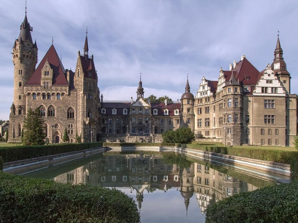 turismo polonia castillo moszna
