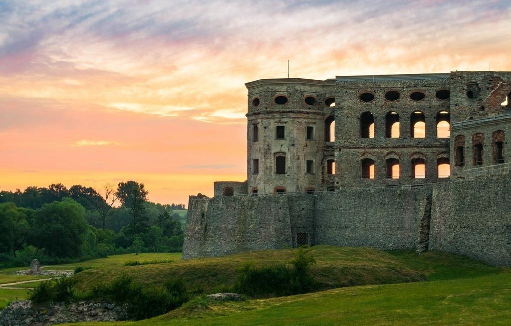 castillo calendario turismo polonia